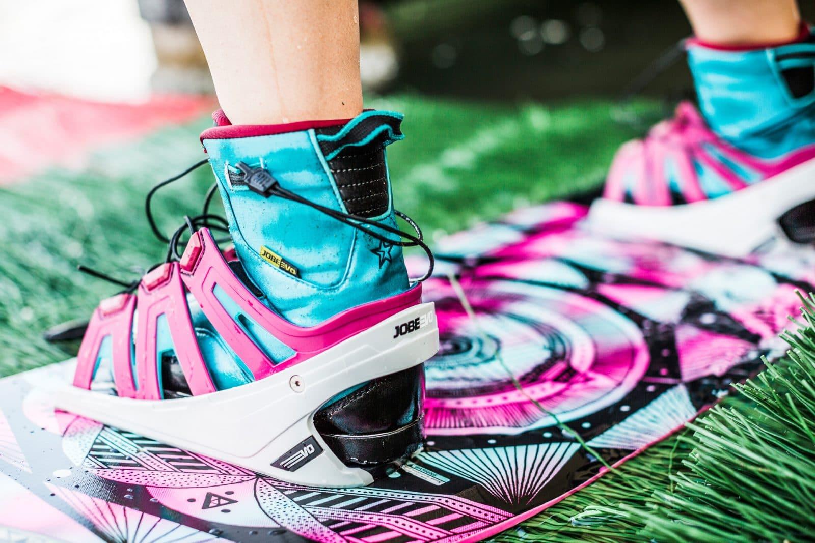 evo-sneaker-women-teal-blue-pair-1443452030