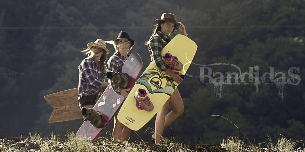 Bandidas – 3 Girls Wakeboarding in The Alps